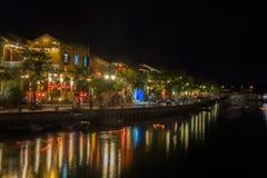 会安市,港口在晚上 库存照片