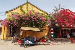 会安市,越南- 2013年4月13日:会安市古镇的变甜的粥餐馆 免版税库存图片