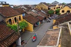 会安市,越南- 2013年4月14日:出租机动三轮车-叫的` Xich Lo ` -在会安市古镇, Quang Nam,越南 图库摄影