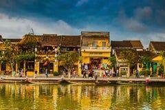 会安市,越南- 2017年3月17日:在会安市越南联合国科教文组织世界遗产名录站点老镇的看法  库存图片