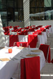 宴会白色和红颜色霍尔  免版税库存图片