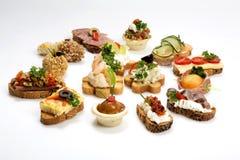宴会的开胃菜食物 免版税库存图片