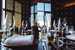 宴会的表集合在餐馆 图库摄影