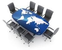 会议室和世界地图在桌上 免版税库存图片