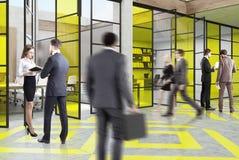 会议室大厅的人们 免版税库存图片