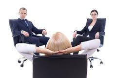 会议或会议在办公室-三个年轻企业人si 免版税库存照片