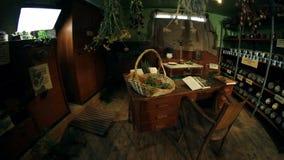 会集和烘干的草本老办公室 影视素材