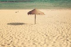 伞海滩 库存照片