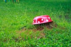 8伞菌eps在向量白色的飞行蘑菇 免版税图库摄影