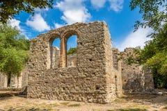伟大的大教堂废墟  免版税库存照片