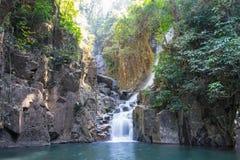伟大的瀑布在森林里,泰国 免版税库存图片