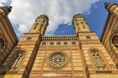 伟大的犹太教堂在布达佩斯,匈牙利 免版税库存图片