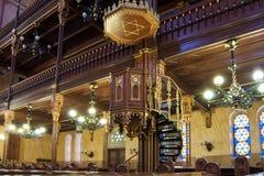 伟大的犹太教堂或Tabakgasse犹太教堂的内部在布达佩斯,匈牙利 库存照片