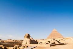 伟大的狮身人面象和Khafre金字塔 免版税库存照片