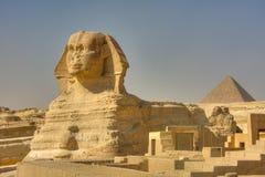 伟大的狮身人面象和Kufu,吉萨棉,埃及金字塔  库存照片