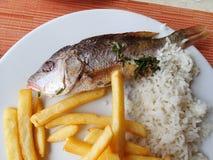 伟大的食物在假期时 钓鱼炸薯条 图库摄影