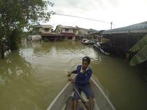 伟大的洪水击中了城市 免版税库存图片