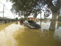 伟大的洪水击中了城市 库存照片