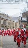 伟大的Skipton圣诞老人乐趣跑2017年,大英国 免版税库存图片