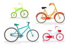 传染媒介例证套自行车,自行车循环的骑自行车者,运输类型,在鲜绿色,桃红色和蓝色的自行车 向量例证