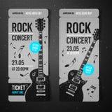 传染媒介例证黑色摇滚乐音乐会票与黑吉他的设计模板和凉快的难看的东西作用在背景中 免版税图库摄影