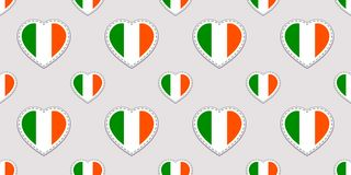 传染媒介圣帕特里克` s天无缝的样式 与爱尔兰国旗贴纸的背景 传统颜色 爱尔兰文化  库存例证