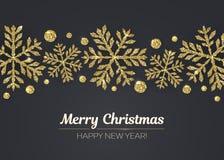 传染媒介圣诞快乐新年快乐与金雪花装饰的贺卡设计的节日 免版税库存图片
