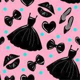 传染媒介无缝的样式,纹理,与女孩时髦的辅助部件,化妆用品,在桃红色背景的妇女材料的印刷品 向量例证