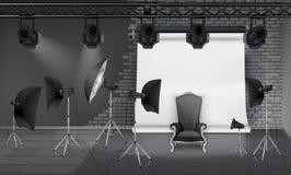 传染媒介照片与空的扶手椅子的演播室内部 皇族释放例证