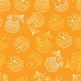 传染媒介黄色热带生日宴会杯形蛋糕无缝的样式背景 为织品完善,scrapbooking,墙纸项目 库存例证
