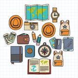 传染媒介与旅行象冒险的乱画集合探索照相机护照票地图背包乱画样式 免版税库存照片