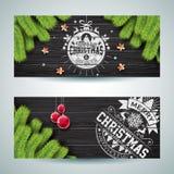 传染媒介圣诞快乐与印刷术设计的横幅例证和杉树在葡萄酒木头背景分支 库存照片