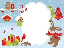 传染媒介圣诞节和新年卡片模板用一只兔子、猫头鹰、主教、鸟舍和礼物盒在雪背景 图库摄影