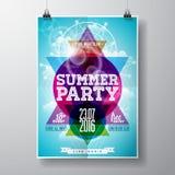 传染媒介夏天海滩党与印刷元素的飞行物设计和在颜色三角背景的拷贝空间 免版税图库摄影