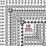 传染媒介套在种族boho样式的几何边界 样式刷子的汇集与里面壁角瓦片的 免版税库存图片