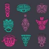 传染媒介套在非洲样式的手拉的花梢面具 库存照片