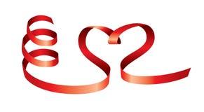 传染媒介红色丝带的缎心脏 免版税库存图片