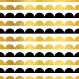 传染媒介金子黑色镶边扇贝条纹无缝的重复样式几何设计 伟大为托儿所墙纸 库存图片