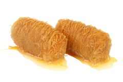 传统东方点心果仁蜜酥饼用糖浆 免版税库存照片