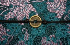 传统中国织品的范例 免版税库存照片