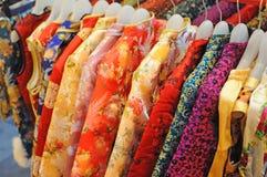 传统中国衣裳的丝绸 库存图片
