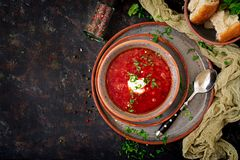 传统乌克兰俄国罗宋汤用在碗的牛肉 库存图片