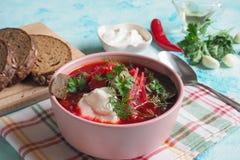 传统乌克兰俄国罗宋汤用在碗的白豆 库存图片
