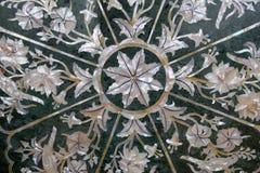 传统五颜六色的花卉大理石桌面待售,阿格拉 免版税图库摄影
