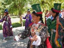 传统佛教节日ladakh的夫人 免版税库存图片