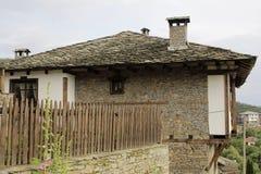 传统保加利亚村庄房子 免版税库存图片