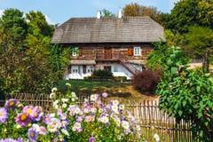 传统农村建筑学在波兰 库存照片