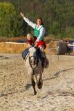 传统匈牙利马背展示在一个小村庄Vonyarcvashegy, 18 08 2013年匈牙利 库存图片
