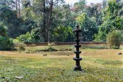 传统印地安灯在庭院里 免版税图库摄影
