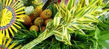 传统厄瓜多尔人复活节装饰棕枝全日花束 库存照片